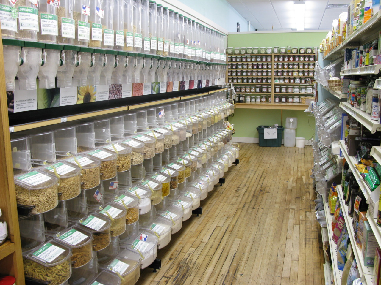 Zero waste one of the solutions to ecocide zero waste europe - Zero packaging grocery store ...